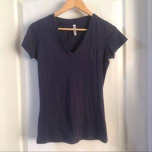 Garage T-Shirt Dark Blue V-Neck Size Medium